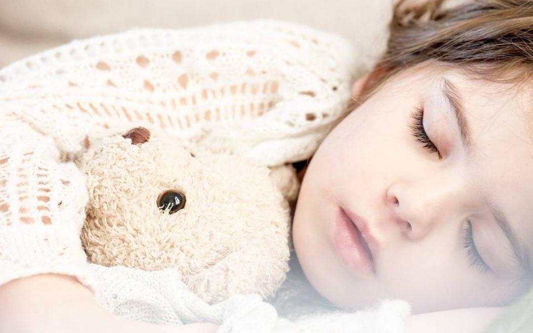 10 rád, čo robiť, keď dieťa nechce spať