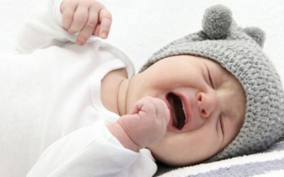 Učíme deti spať – kedy je vhodné nechať ho vyplakať sa?